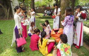 hanoi vietnam donne fiori