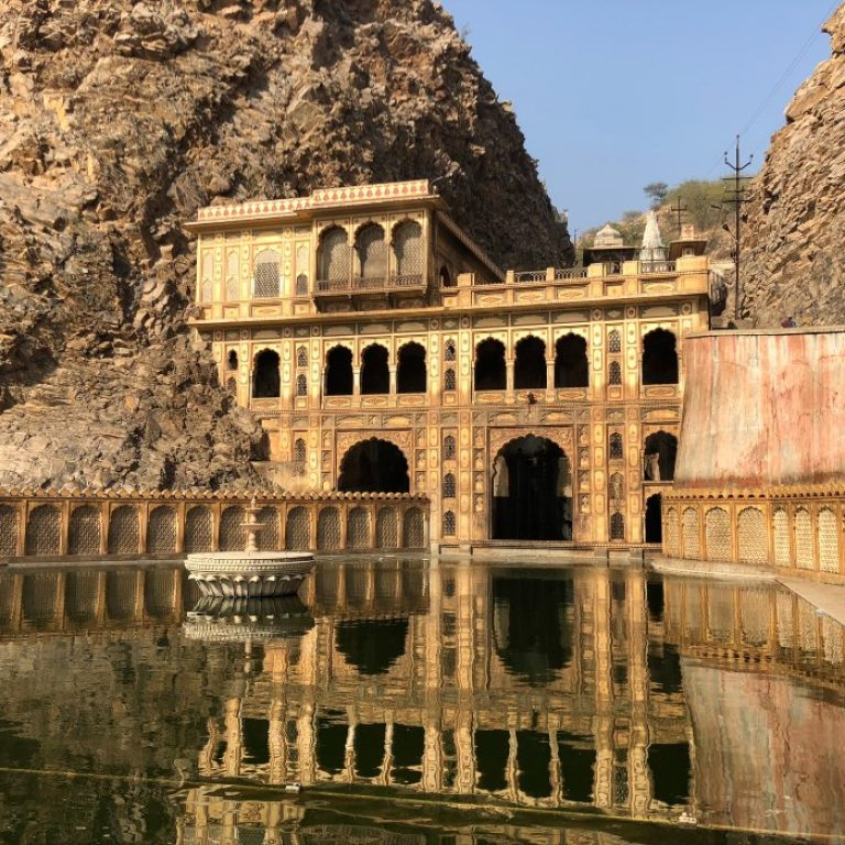 Tempio delle Scimmie India Jaipur Galta Jil
