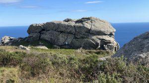 Vista su pietra murata, zona occidentale dell'Isola d'Elba