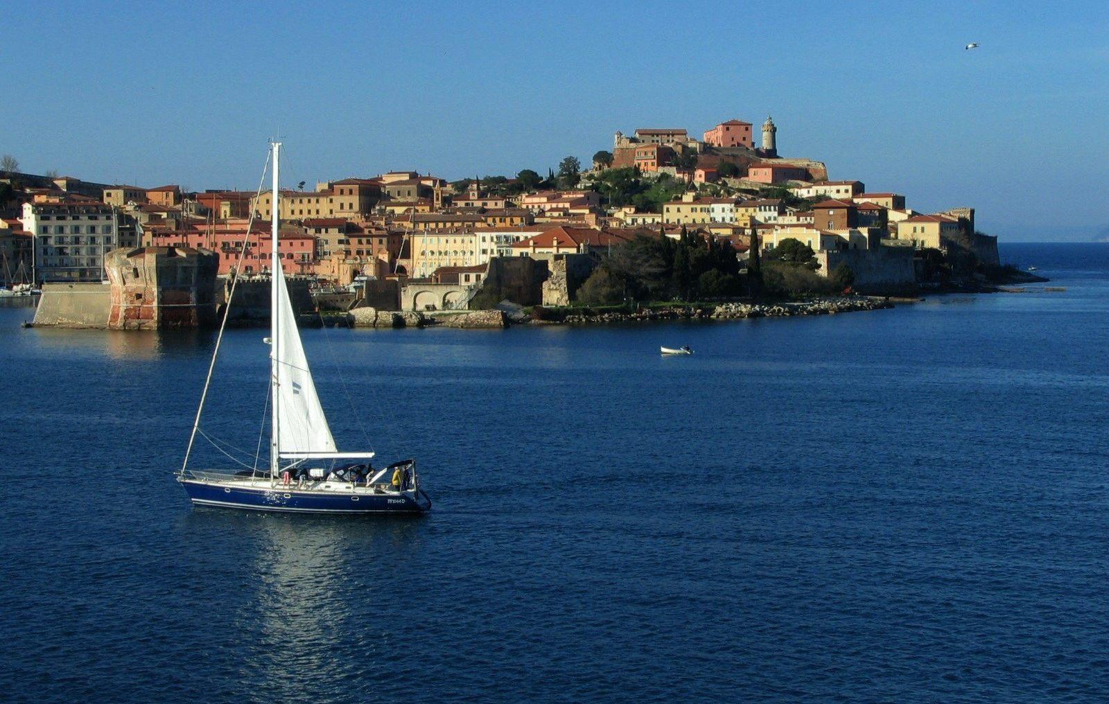 portoferraio centro storico veduta da mare